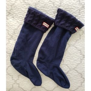 Hunter navy blue cable knit cuff boot socks